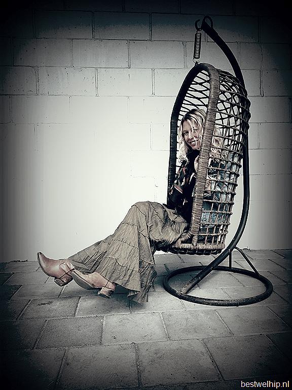 Egg Chair Met Standaard.Vintage Rattan Hanging Chair Egg Swing Chair Vintage Rotan