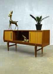 Danish dressoir wandkast tv kast jaren 50, Danish wall cabinet