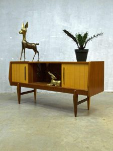 Danish dressoir wandkast tv kast jaren 50, Danish wall cabinet