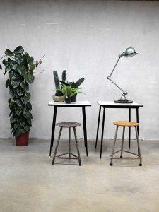 Vintage design table fifties 'minimalism', vintage eetkamer tafel jaren 50