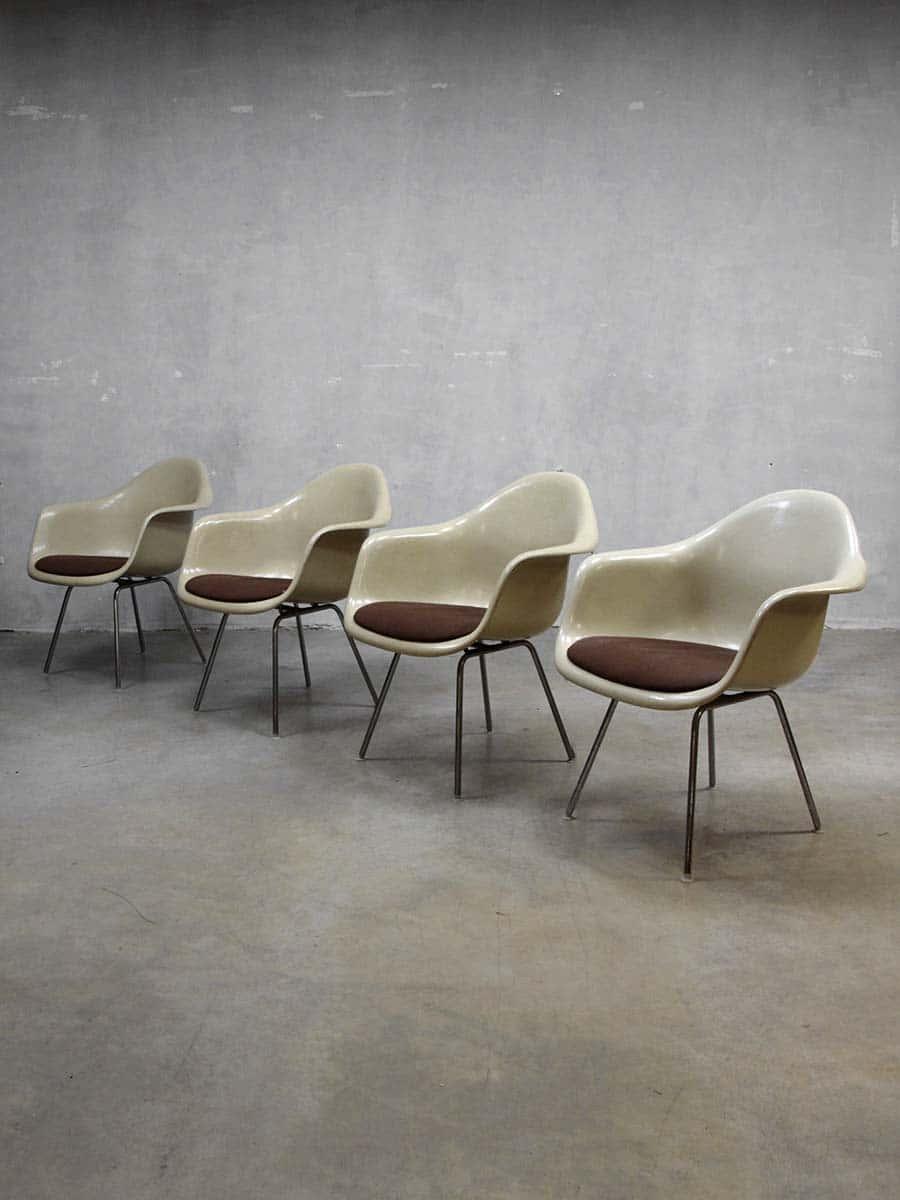 original eames herman miller lounge set fiberglass shell chairs table vitra. Black Bedroom Furniture Sets. Home Design Ideas
