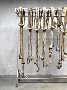 Vintage authentieke gymtouwen klimtouwen, gym ropes climbing rope vintage Industrial