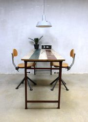 Industriële tafel bureau sloophout, vintage sidetable table desk Industrial