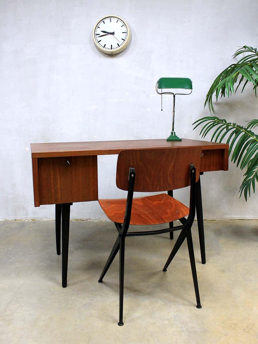 dutch vintage design desk minimalism vintage teak bureau. Black Bedroom Furniture Sets. Home Design Ideas