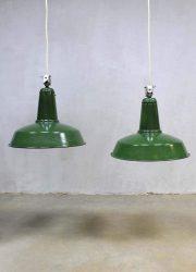 Authentic vintage Industrial lamp, vintage industriële emaille lamp