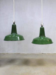 Authentic vintage Industrial lamp, vintage industriële emaille lamp