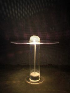 Vintage space age 'Ufo' plexiglas table lamp tafellamp