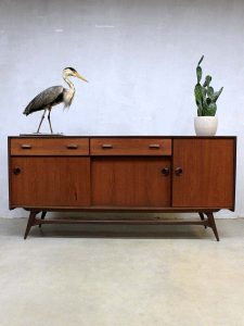 Louis van Teeffelen vintage dressoir