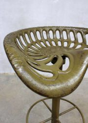 vintage metalen tractor kruk stool Baker Hamilton