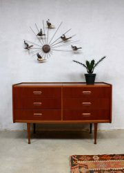 Vintage Deense ladekast kaptafel, vintage Danish cabinet chest of drawers