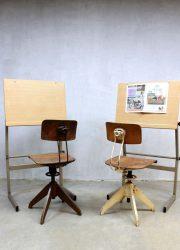 Vintage kids bureau tafel tekentafel industrieel, vintage drawing table