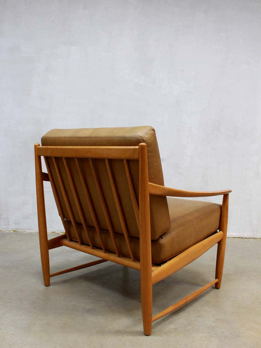 Bruine Retro Fauteuil.Danish Vintage Leather Chair Deense Leren Lounge Stoel