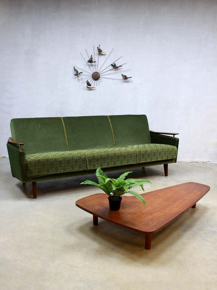 Vintage velours lounge bank fifties vintage velvet sofa for Groene bank