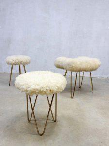 Vintage schapenvacht kruk poefje, vintage sheepskin hocker/stool/ottoman