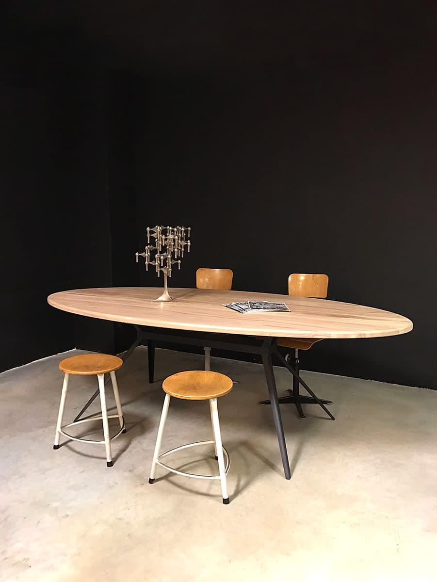 Stoere ovale houten tafel eetkamertafel vergadertafel diningtable