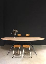 ovale eetkamertafel dining table
