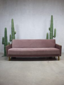 Mid century soft pink vintage design sofa lounge bank