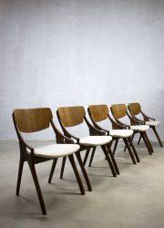 vintage Deens design eetkamerstoelen Arne Hovmand Olsen jaren 50 60