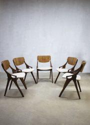 vintage mid century Deens design eetkamer stoelen Arne Hovmand Olsen chairs