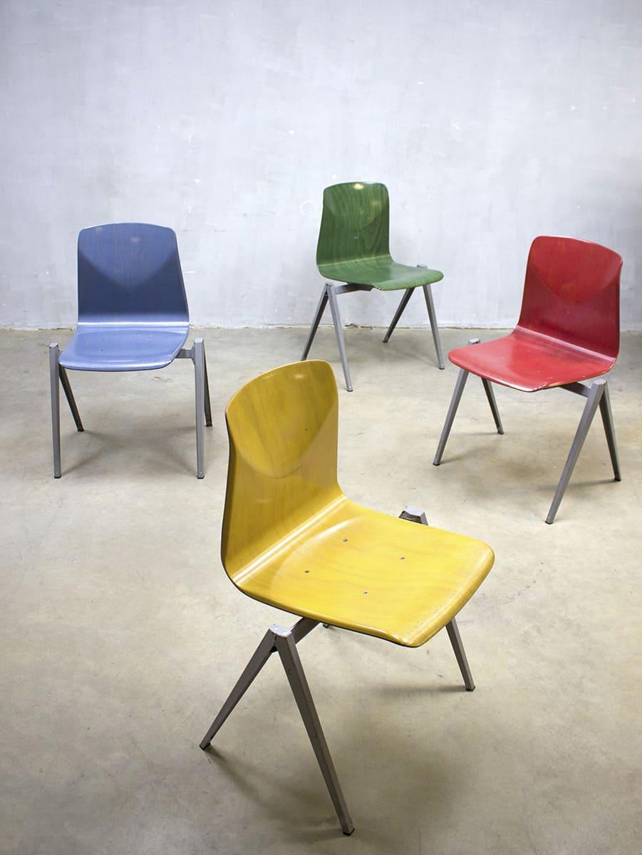 Vintage industri le stapelstoelen stoel galvanitas s22 for Eetkamerstoelen kuipmodel
