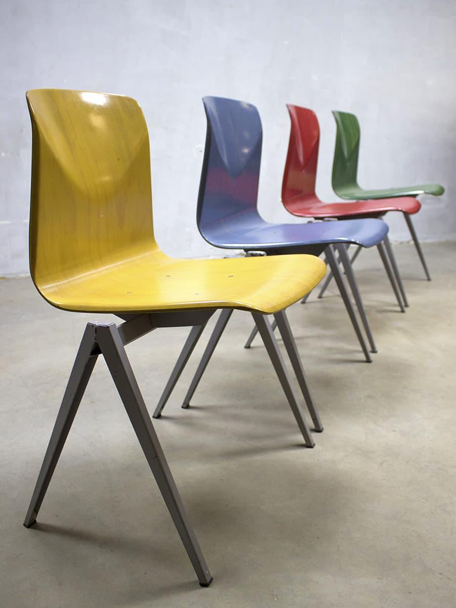 Industriele Vintage Stoelen.Vintage Industriele Stapelstoelen Stoel Galvanitas S22