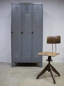Vintage industriële lockerkast Industrial locker cabinet