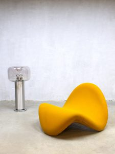 Vintage lounge chair Tongue Pierre Paulin Artifort