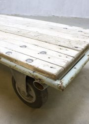 Salontafel industreel Fabriekskar industrieel robuust palletkar hout
