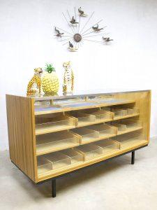 Vintage toonbank balie winkelvitrine, vintage counter Industrial