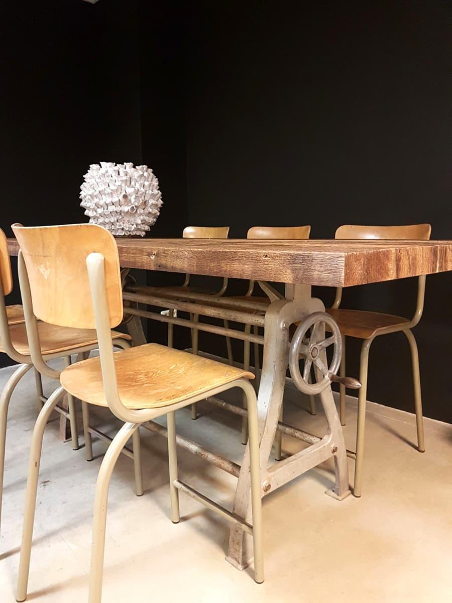 Vintage industrial bar table dinner table vintage bar for Retro tafel