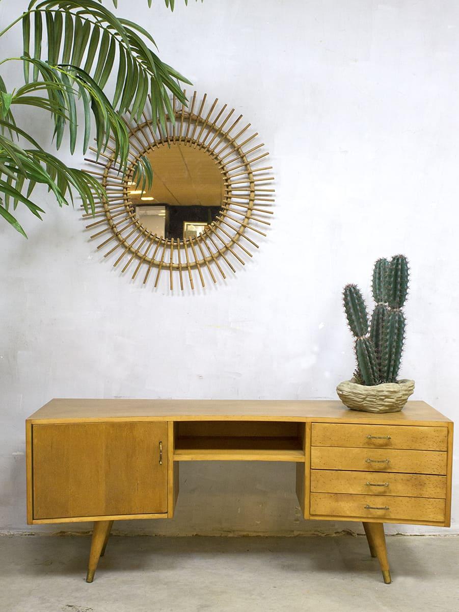 Boomerang Tv Meubel.Vintage Wall Cabinet Jaren 50 Dressoir Tv Kast Ovaal Boomerang
