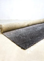 midcentury carpet ton sur ton colors design vloerkleed