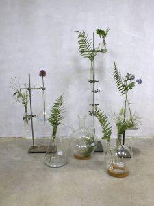 Vintage Industrial laboratory stands vases glass, Laboratorium vazen fles