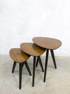 Vintage nesting tables mimiset bijzettafeltjes Aldo Tura stijl