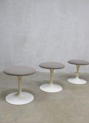 Mid century modern tulip stool Eero Saarinen Knoll kruk