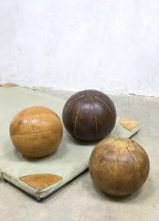 vintage leather ball balls industrial sports, vintage leren medicijn bal leer