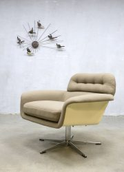 Artifort prototype swivel chair draai fauteuil vintage Dutch design armchair