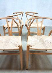 Wishbone dinnerchairs vintage Danish design dinner chairs Hans Wegner eetkamerstoelen