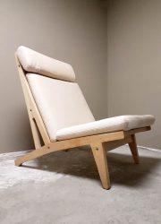 Deense vintage design lounge chair Hans Wegner Getama