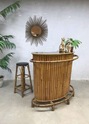 Vintage bamboe rotan cocktail bar bamboo rattan tiki bar