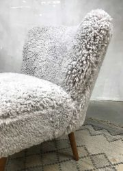 midcentury modern lounge chair fur cocktail stoel schapenvacht retro