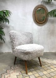 Vintage cocktail stoel schapenvacht cocktail chair 'Teddy'