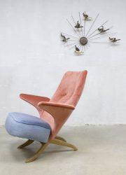 Midcentury vintage design velvet Pinguin chair Artifort Theo Ruth