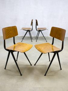 vintage design dinner chairs eetkamerstoelen Dutch design Wim Rietveld Ahrend de Cirkel industrieel