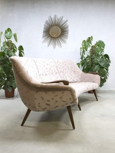 Midcentury vintage design cocktail bank sofa velvet 'Boomerang'