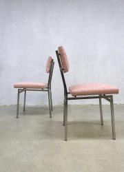 roze eetkamerstoelen stoel industrieel pink dinnerchairs dinner chair horeca
