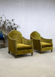 Antique vintage French velvet club chairs arm chairs clubfauteuil Frankrijk antiek