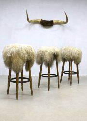 vintage barkrukken kruk schapenvacht country style barstools rustic living Spahn sheepskin stool barstool