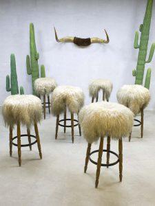 Vintage schapenvacht sheepskin barkrukken barstools Spahn