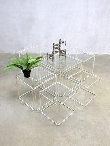 Vintage nesting tables mimiset kubus bijzettafeltjes 'Isocele' Max Sauze
